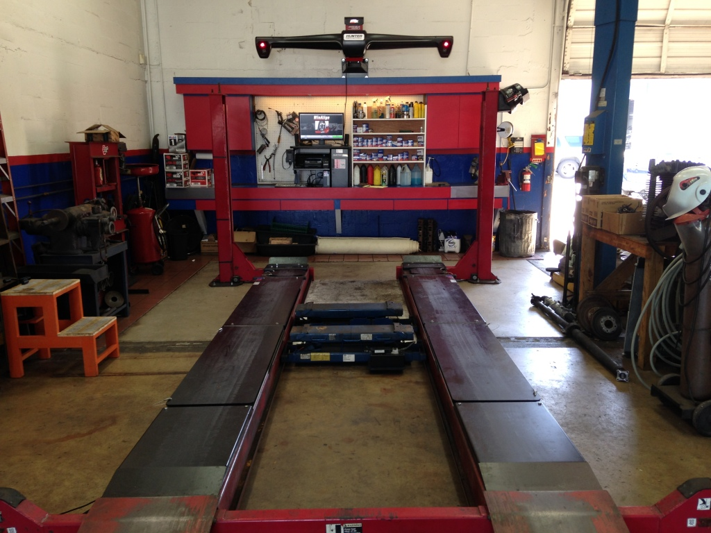 Our top of the line Hunter alignment machine